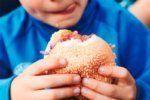 «Καμπανάκι» για τα παιδιά χωρισμένων γονέων – Πιο πιθανό να γίνουν παχύσαρκα