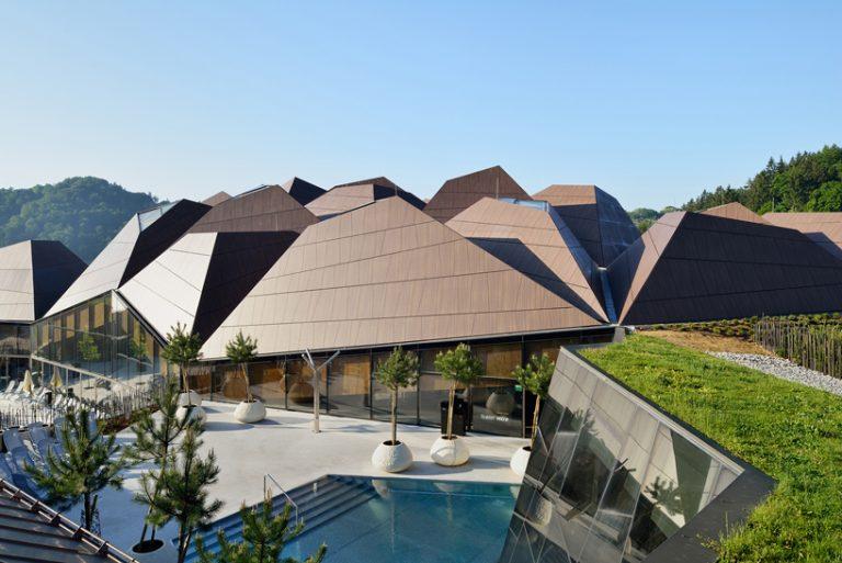 Νέα πνοή με πρωτοποριακή οροφή.png